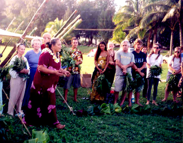 Aloha Oli (Chant) at Malama-Ki -